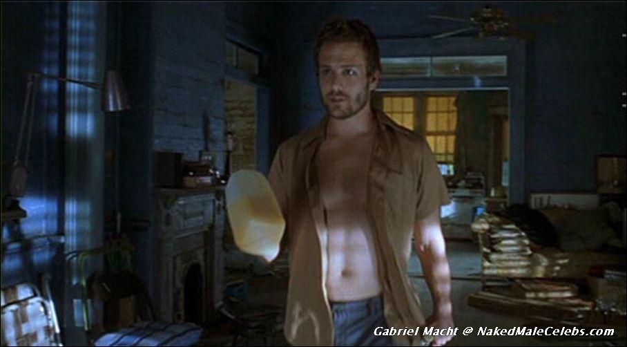 Benjamin button brad pitt naked