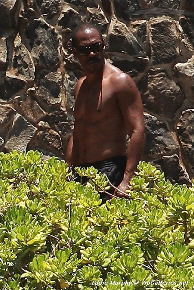 Nude Male Celeb Pics And Videos Eclusive Paparazzi Shots