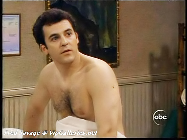 Is fred savage gay