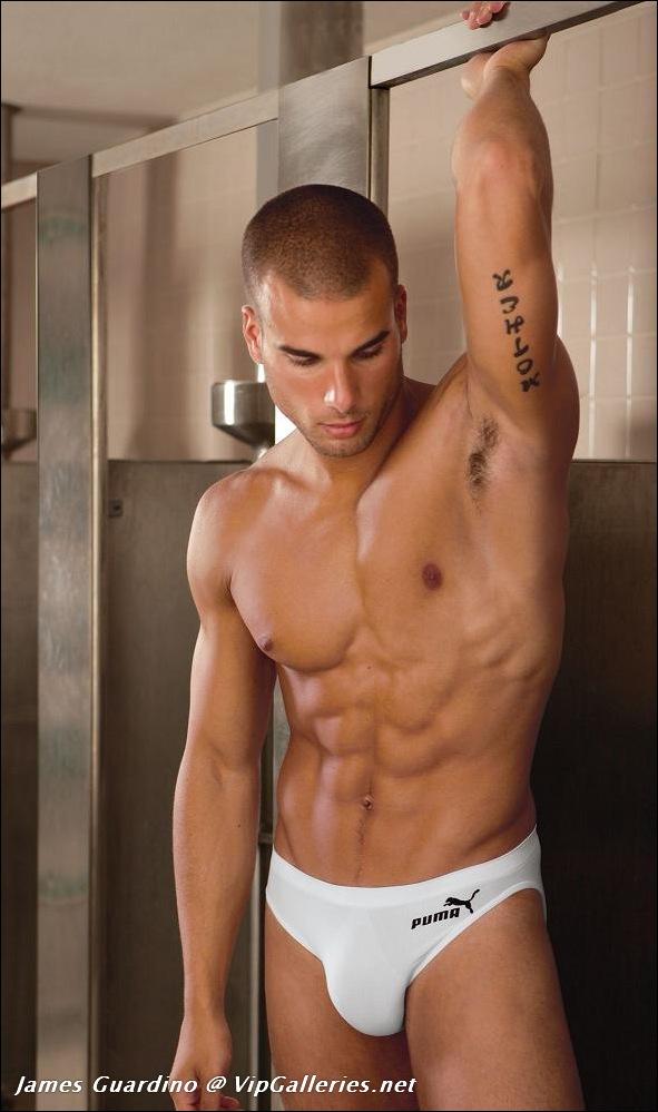 Фото голых парней в спортивных раздевалках полезно!!!