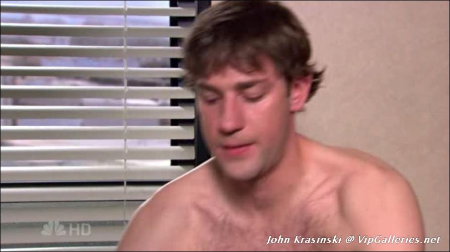 Amateur nipple slip pussy